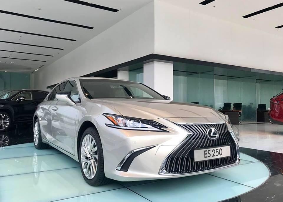 Bảng giá ô tô Lexus tháng 2/2020 mới nhất!