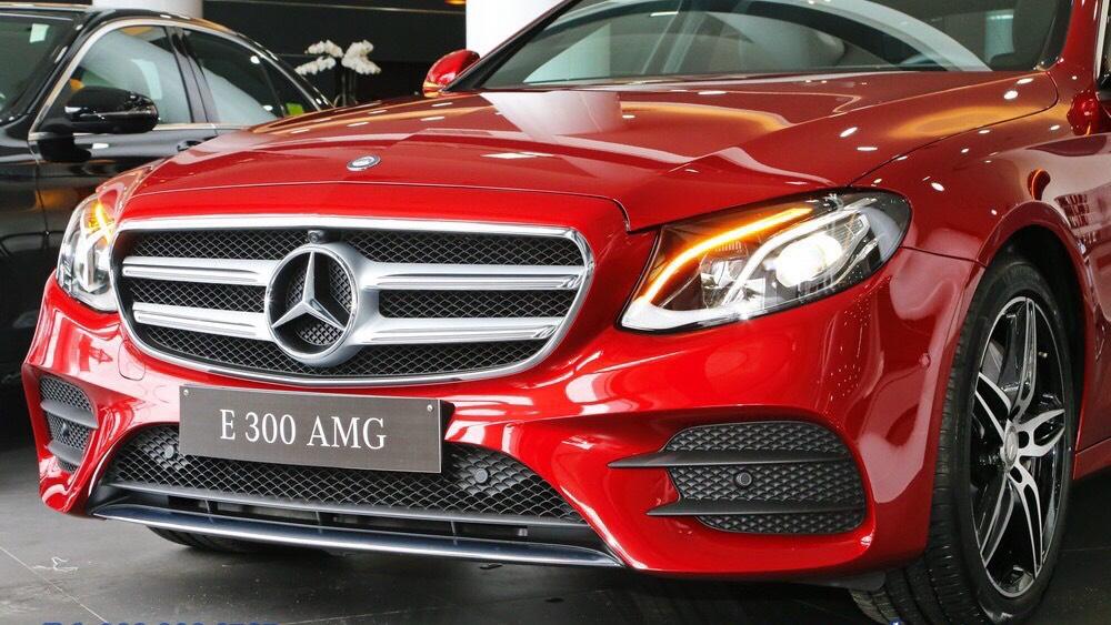 Mercedes-Benz E 300 AMG 2019 chính thức quay lại thị trường Việt